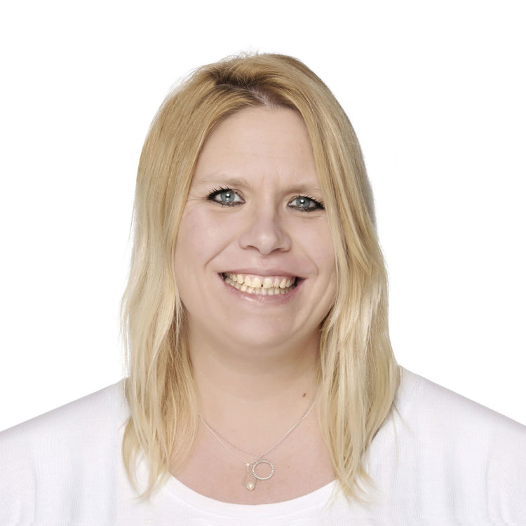Amy Majendie is the clinic assistant at Biddenden Chiropractic. We offer a range of treatments for back, shoulder, knee and neck pain.