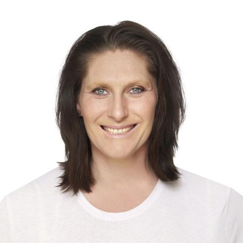 Karen Porter is a qualified life coach, at Biddenden Chiropractic. Karen offers a range of treatments for back, shoulder, knee and neck pain.